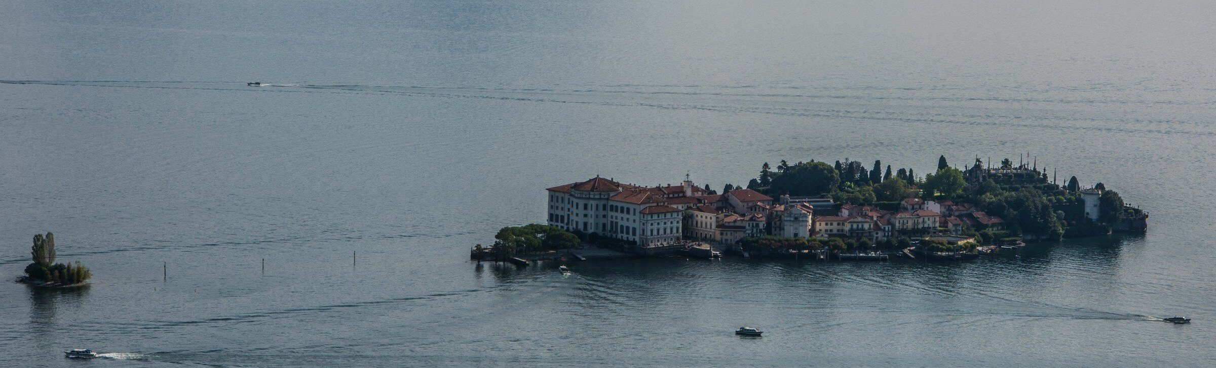 ISOLA BELLA, VIEW FROM CABLE CAR, STRESA (PROVINCE OF VERBANO CUSIO OSSOLA)